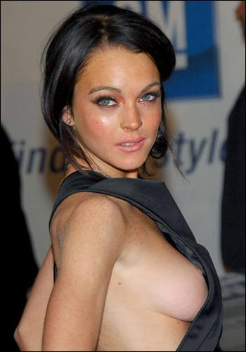 lindsay-lohan-boobs.jpg