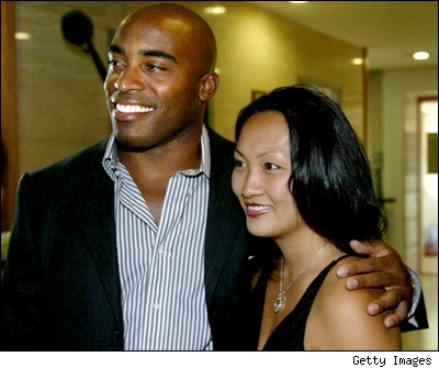 tiki_barber_and_jennie_400.jpg