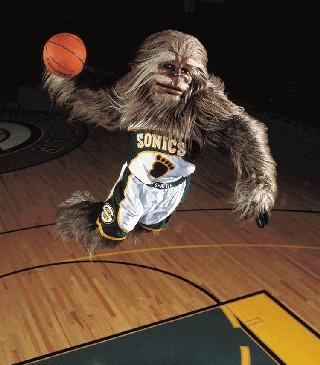 chewie-shaq-dunk.jpg
