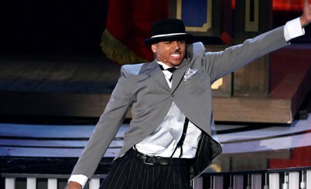performances-chris-brown-14767036-sq.jpg