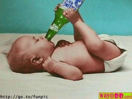 funny-pictures-does-your-baby-drink-beer-8kr.jpg