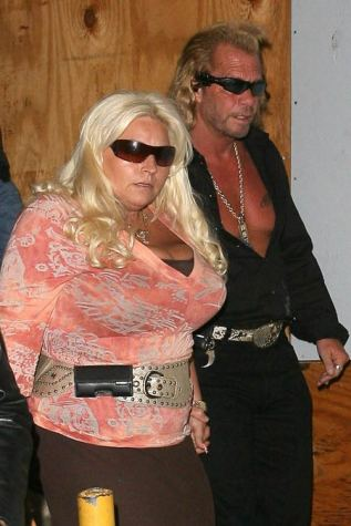 1108_dog_bounty_hunter_01-thumb.jpg