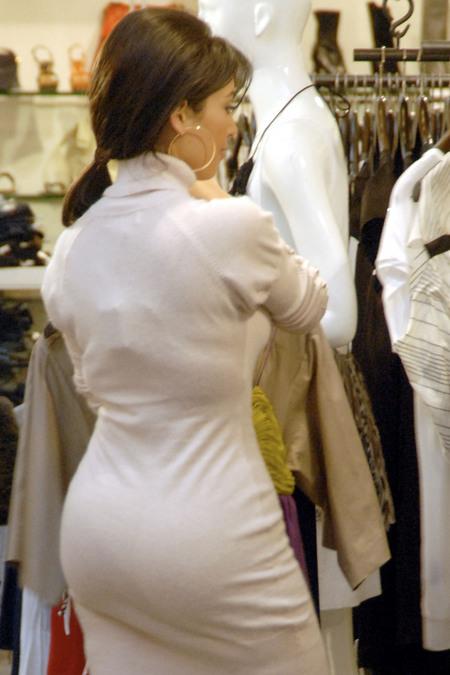kim-kardashian-cocked.jpg