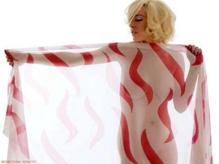 lindsay-lohan-nude-uvtblog.jpg