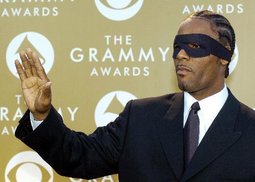 R  Kelly | Us Versus Them